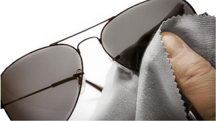 Técnicas para limpar as lentes dos seus óculos sem riscá-las   Pró Ótica 20a212ece8