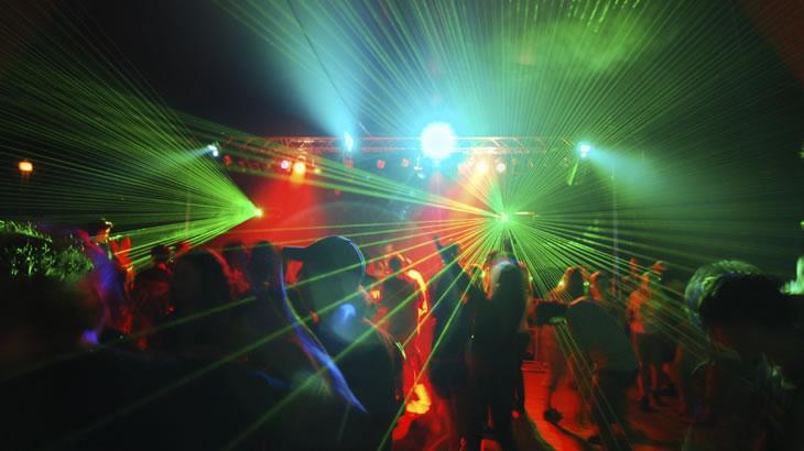 Festas de final de ano podem lesar a visão; veja cuidados