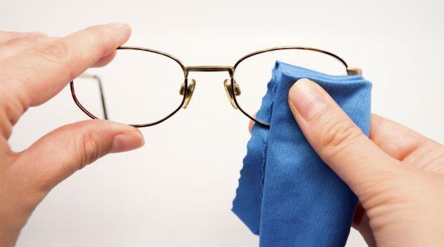 Conheça 10 cuidados e dicas para aumentar a durabilidade de suas lentes e óculos