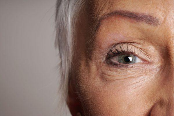 O que pode acontecer com os olhos de quem é hipertenso.