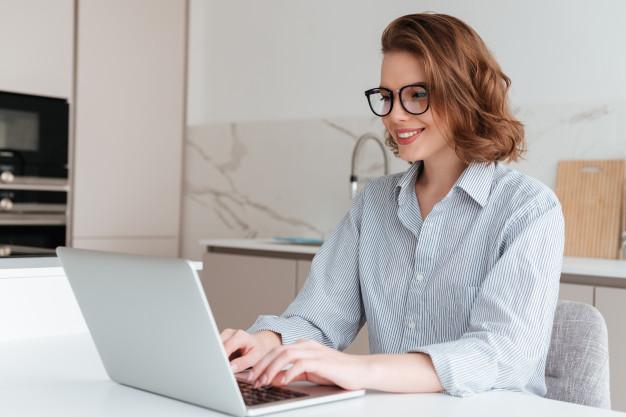 Seus olhos cansam ao usar o computador? Conheça a regra dos 20-20-20